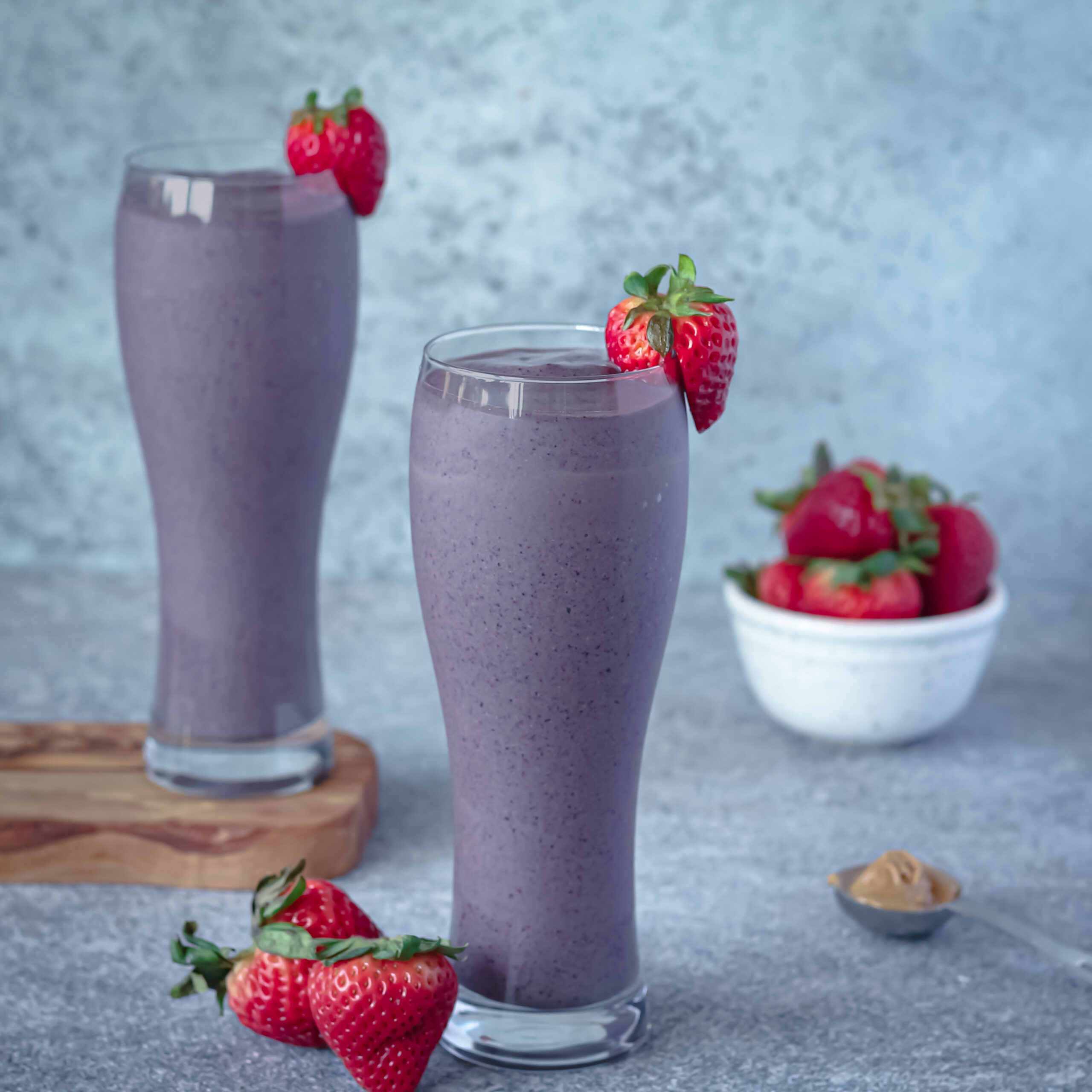 Peanut Butter and Jam Smoothie